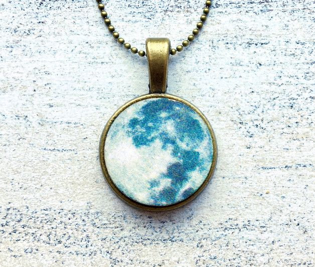 ● Mond ● Moon Vollmond Holz Amulett Kette
