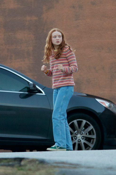 Sadie On Set For Season 2 Of Stranger Things Stranger Things Outfit Stranger Things Max