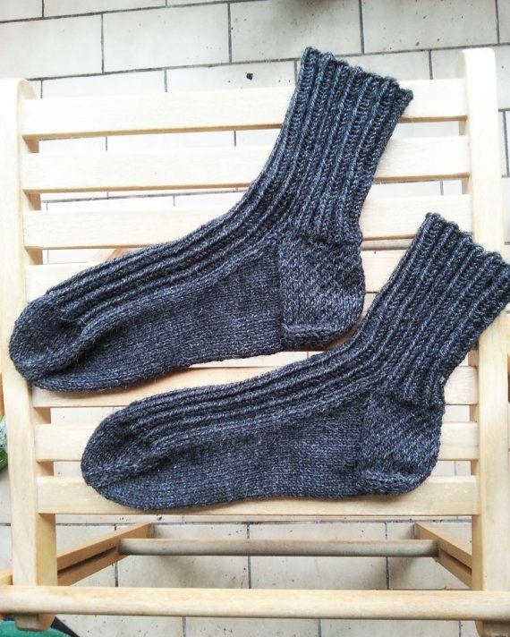 Hand knit grey wool socks for men.  Basic wool by Helidonstitch