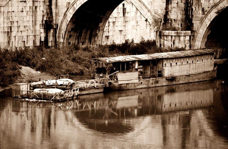 """La Barca del """"Ciriola"""". Dall'Inghilterra al Porto di Ripa Grande. 1932."""