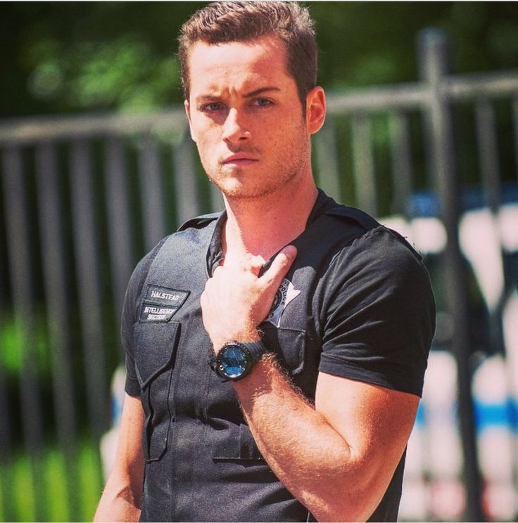 Jesse Lee Soffer. Detective Halstead. Chicago PD.