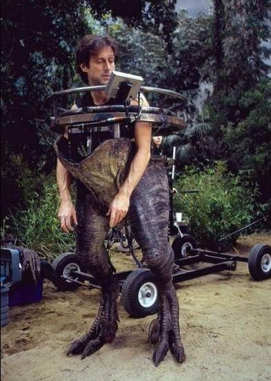"55 Behind The Scenes Photos From The Original ""Jurassic Park"" – The Roosevelts"
