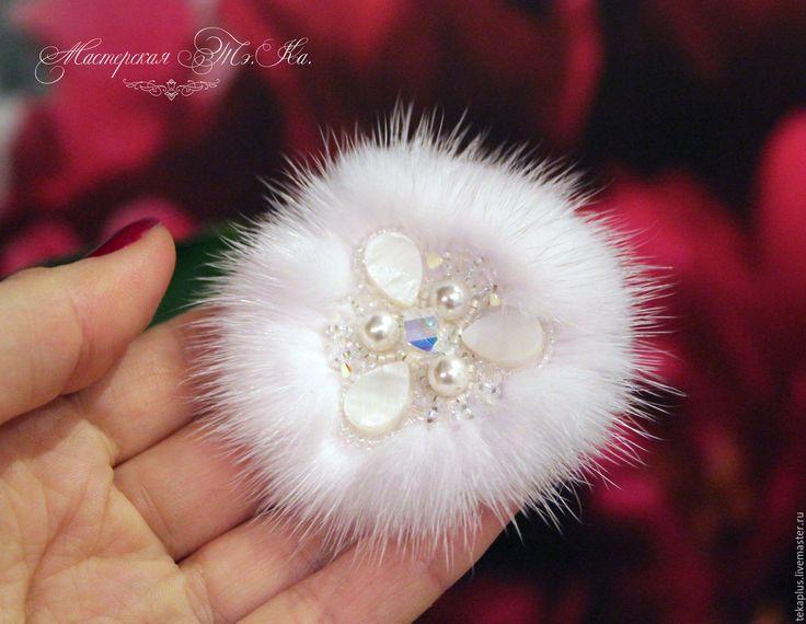 Купить Мини брошка из меха белой норки Белоснежка - белый, белоснежный, белая норка