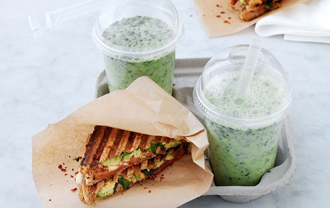 Grillet avokadosandwich & green smoothie