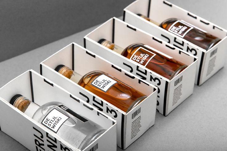 Ben Mingo разработал систему идентификации для продукции голландской винокурни De Stijl Wiski, с основным акцентом на оформление упаковки. 4 сорта De Stijl Wiski упаковываются в белые картонные коробки с одноцветной печатью проходящей с внутренней стороны левой стенки до внутренней стороны правой, так что последовательно поворачивая коробку можно прочитать название бренда, сорт виски, страну происхождения и номер контактного телефона. Коробки имеют конструкцию лотка, крышка отсутсвует, но…