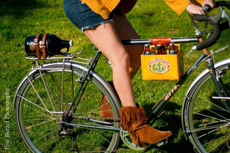 6 Pack Frame Cinch Leather Bike Beer Holder par WalnutStudiolo