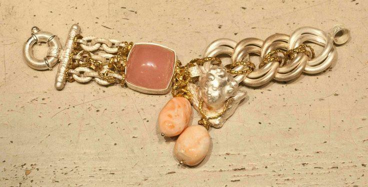 Lovely pinks ...Giuseppina Fermi Gioielli Bracelet --->Article 468468-14<--- #gioielli #bracelets #jewelry #chicaccesories #italiansophistication