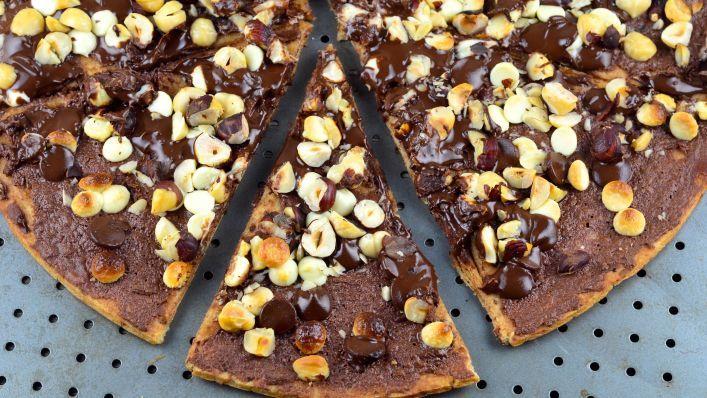 Chocolate Pizza Recipe - Genius Kitchen