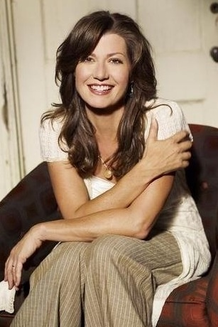 Amy Grant cute hair and nice side bang