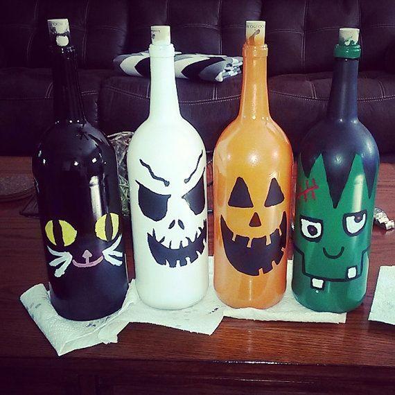 Vases à fleurs bouteille de vin sur le thème Halloween Citrouille, fantôme, Frankenstein et chat noir En fait comme un décor de grande maison et un cadeau