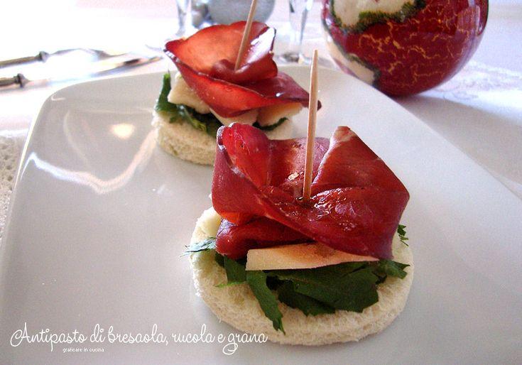 Antipasto di bresaola, rucola e grana http://blog.giallozafferano.it/graficareincucina/antipasto-di-bresaola-rucola-e-grana/