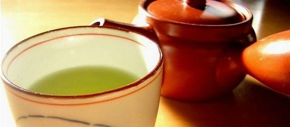 Un compuesto del té verde causa la muerte de las células cancerosas mientras protege las células sanas