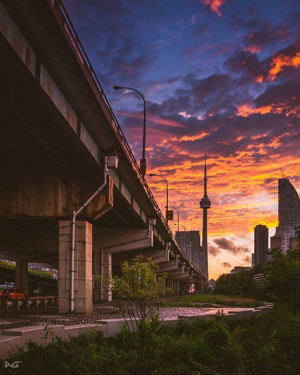 15 stunning photos of Toronto at magic hour