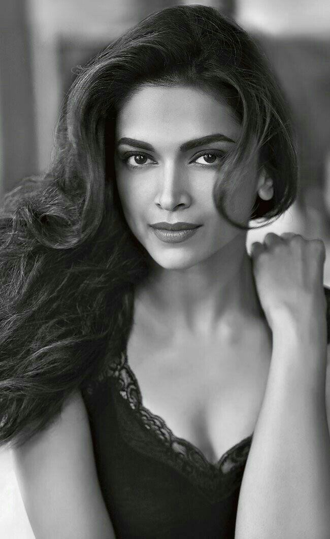 Deepika padukone@ Dam sexy