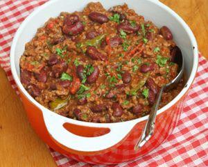 Classic Chili con Carne    PER SERVING:  Net Carbs: 7 grams  Total Carbs: 10 grams  Fiber: 3 grams  Protein: 36 grams  Fat: 26 grams  Calories: 410  Makes: 12 (1/4-cup) servings