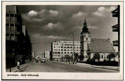 Ul. Świętojańska ( Adolf Hitler Straße ), Kolegiata i kamienica Jòzefa Skwiercza. Wyd. Julius Simonsen Oldenburg in Holstein Kartka wysłana 23.03.1943