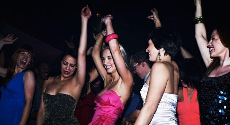 What It's Like to Attend a Jewish Singles Dance on Christmas Eve