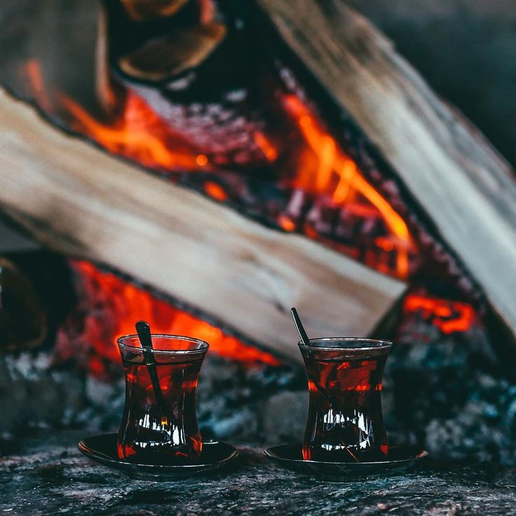 Turkish tea on wood fire //  // Photo by Adem Barış (admbrs)