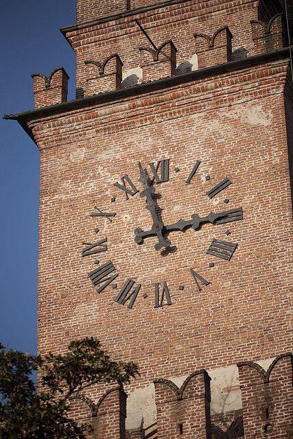 castello di Vigevano, Lombardy, Italy - 45°19′00″N 8°52′00″E