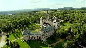 Abbaye Saint-Benoit-du-Lac (Estrie, Quebec) - Le bleu y est fabuleux, mais la sérénité y est encore meilleure!