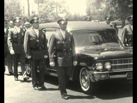 Marilyn Monroe's funeral - YouTube