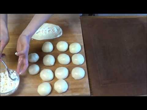 ▶ Türkisch kochen 4: Acma (Brötchen mit/ohne Füllung) - YouTube