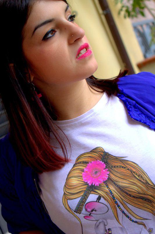 Splendida la nostra #blogger @Carmen Yee Vecchio mood #hippie!  L'abbinamento con il blu del giacchetto è perfetto! http://bit.ly/1eVb7iW  #style #moda #fashion #fashionblogger #siamoises