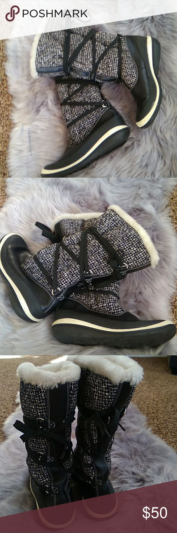 Timberland ladies boots .sz 8 1/2 m. Timberland fur lined ladies boots .can be rolled down to show fur. Sz 8 1/2 . Great condition  leather, and rubber soles . Timberland Shoes Lace Up Boots