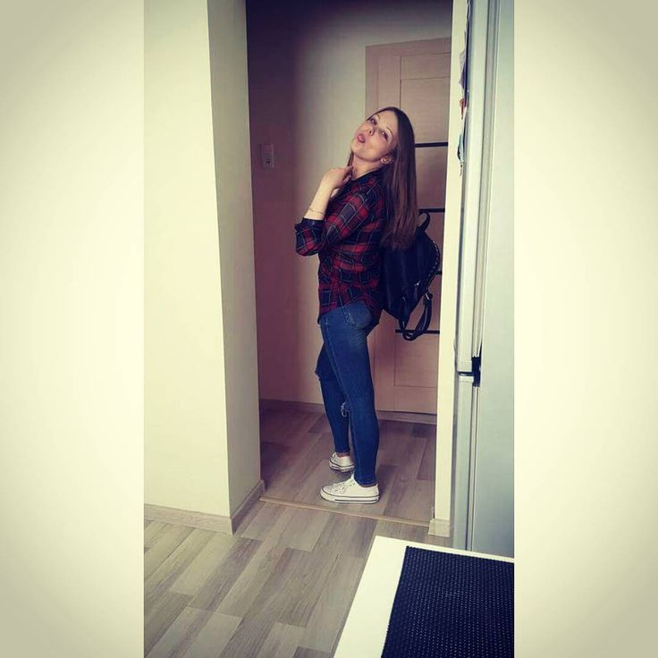 #Vilnius#old#town#city#capital#fabai#fabijoniskes#lithuania#lietuva#lithuaniangirl#student#crazy#girl#white#converse http://butimag.com/ipost/1556144488572061918/?code=BWYiSrkhQje