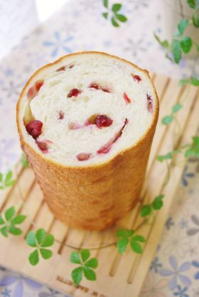 「ベリーとクリームチーズのラウンドパン」ayaka | お菓子・パンのレシピや作り方【corecle*コレクル】