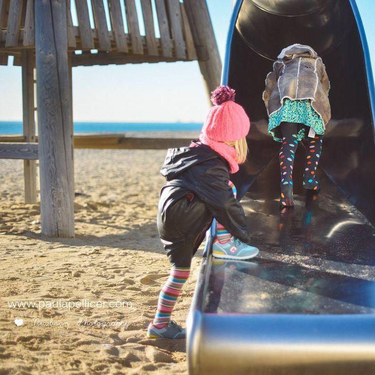 Mañanas mágicas en familia en la playa de Barcelona gracias a la cámara de Paula Pellicer