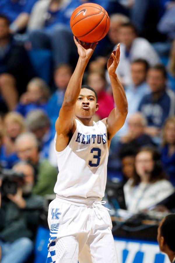 Tyler Ulis. The Kentucky men's basketball team defeats ...