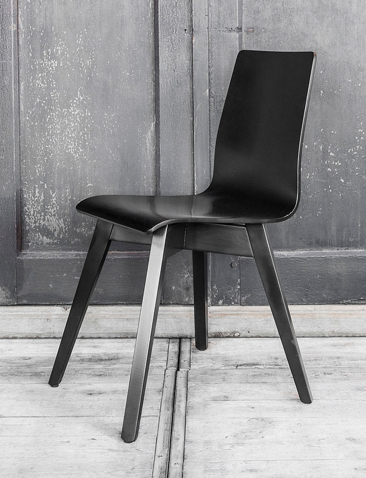 Zwarte designstoel Sitino - strak en populair design - Black design chair of Sitino. Very tight and popular Chair. Ideal for your dinner table - #woontheater