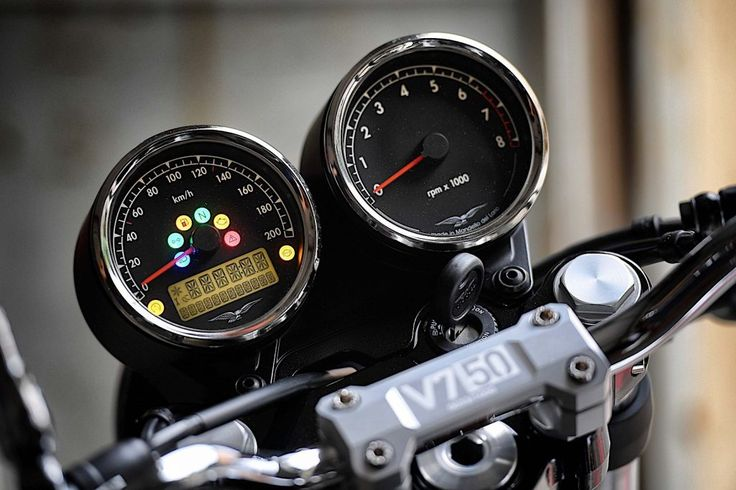 Moto Guzzi presenta la V7 III 2018 con la que celebra su 50 aniversario – Revista Moto