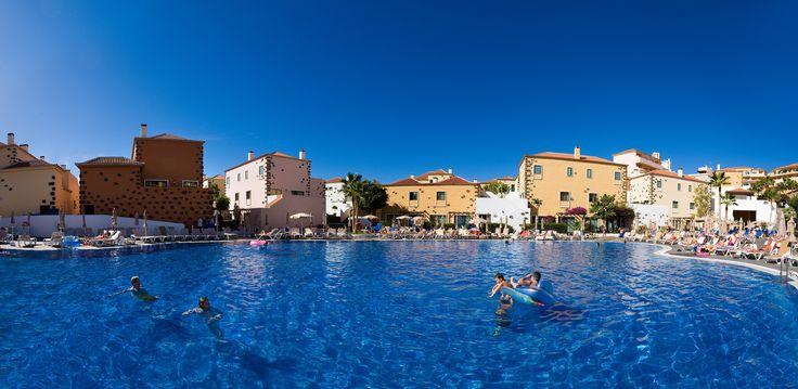 Piscina principal  Main pool