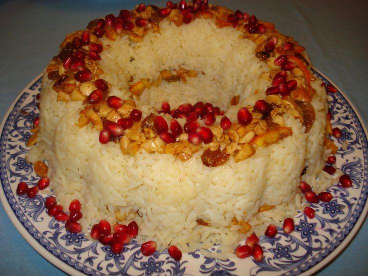 Ρύζι με ξηρούς καρπούς ώστε να δοκιμάσουμε να φτιάξουμε το ρύζι με ένα τελείως διαφορετικό τρόπο και με τελείως διαφορετική γεύση.