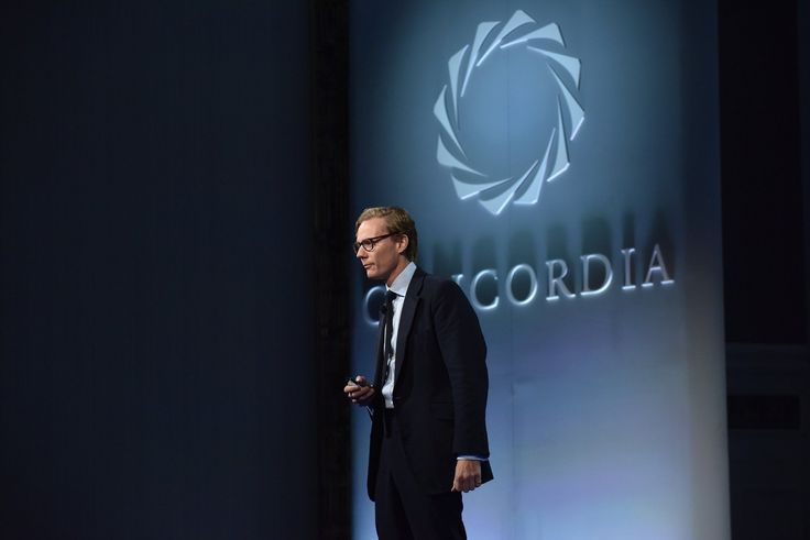 Cambridge Analytica Trump-Tied Political Firm Offered to Entrap Politicians