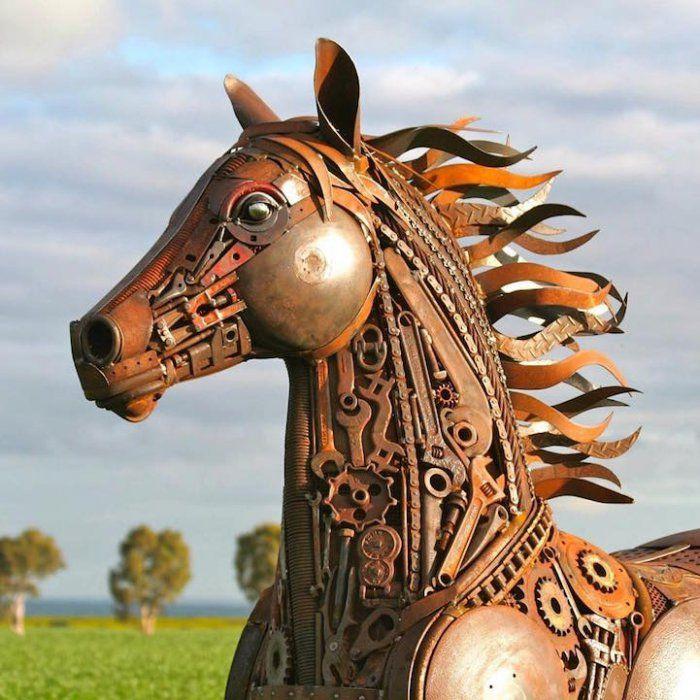 Царство животных из металлолома