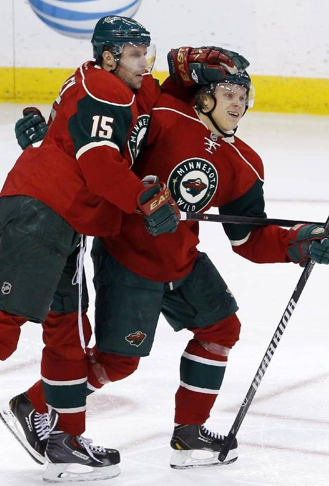 mn. wild hockey players photo gallery | Minnesota Wild right wing Dany Heatley (15), of Germany, and Minnesota ...