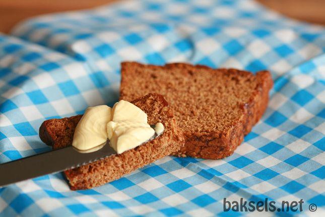 Heerlijke, smeuïge kruidkoek met sinaasappel recept: http://www.baksels.net/site/kruidkoek-met-sinaasappel/