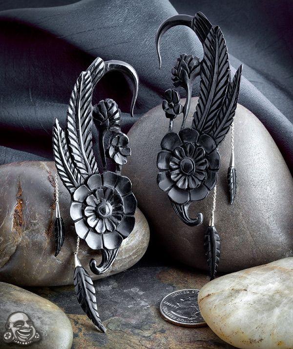 Maya Organic 'Apache Rose'Apache Jewelry, Rose Design, Horns Apache, Hanging Rose, Rose Earrings, Ears Weights, Rose Hangers, Black Horns, Apache Rose