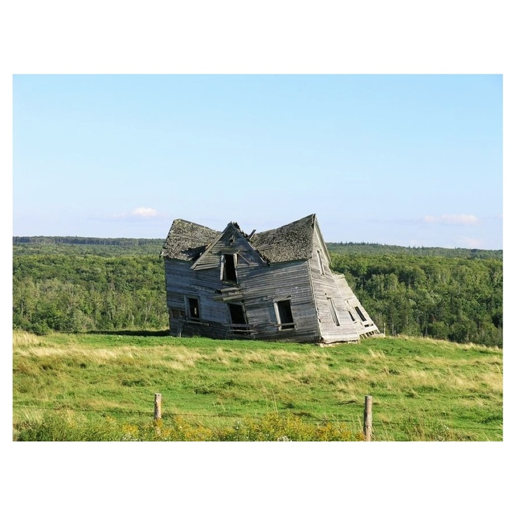 At one time, the Nuttby Mountain House near Tatamagouche was one of the most photographed houses in Nova Scotia. Built in 1898, the old house finally fell over in 2006.