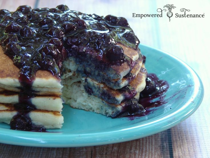Easy Blueberry Sauce Recipe {No Sugar Added} - just berries and arrowroot!