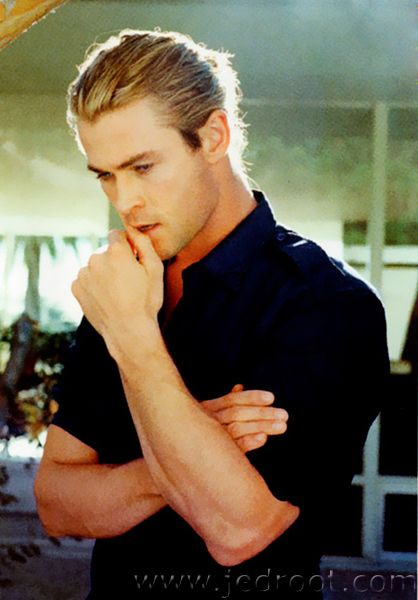 Chris Hemsworth...he eats little shits like his brother for breakfast.