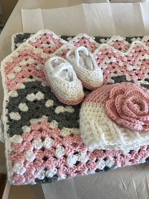 Pink Ripple Waves Baby Blanket Crochet Pattern #crochetideas #crochetlove Download pattern in PDF format!