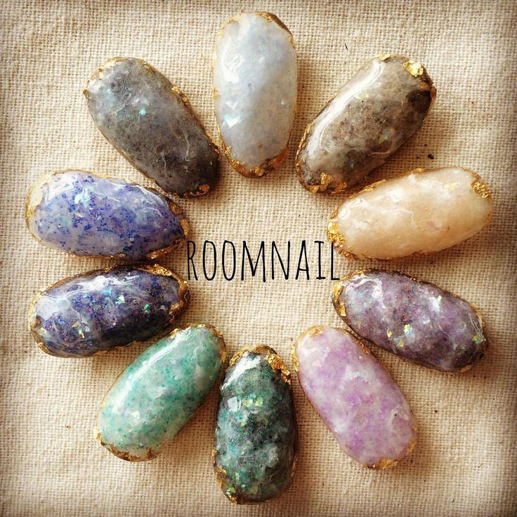Chica Artista Nails   moonail:   room new nail ブラックオパール✨ネイル  #nail ...