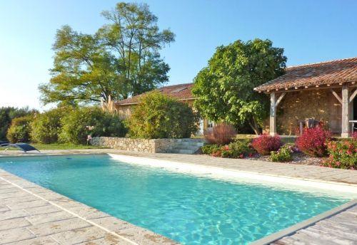 Chambres d'hôtes dans le Gers avec piscine, à proximité d'Agen, en Gascogne