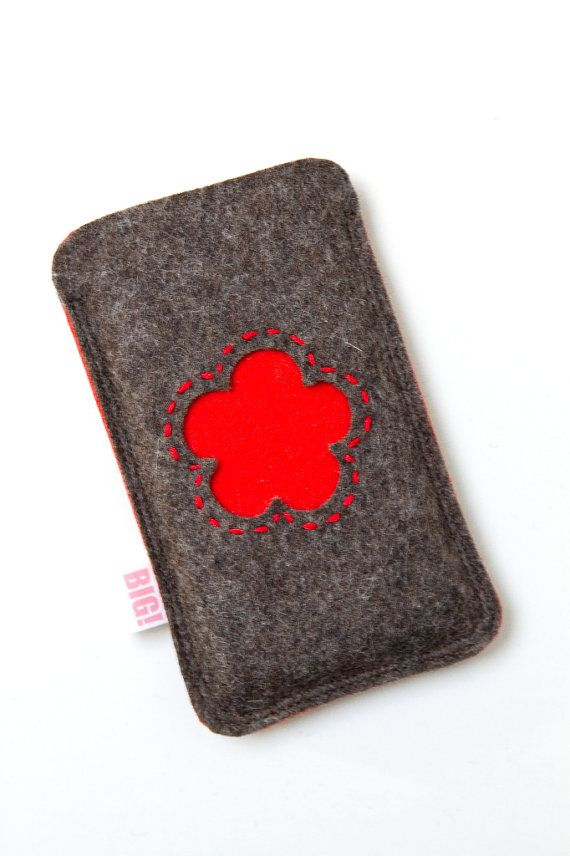 Felt phone cover  heathered brown and red Iphone by StudioBIG, €17,50