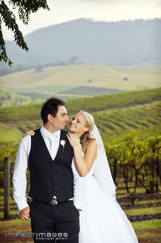 Katrina and Dean on their wedding at the Hunter Valley Vineyards. Hunter Valley Wedding Photographer by Impact Images