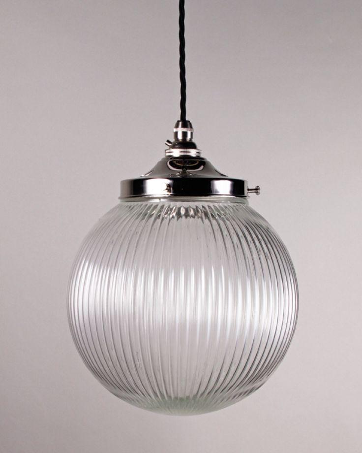 Attirant Goodrich Prismatic Globe Pendant Light